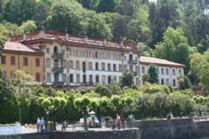 villa garden como